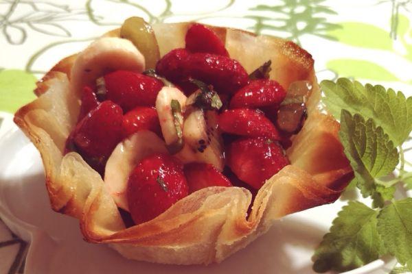Corolle de salade fruits à la mélisse